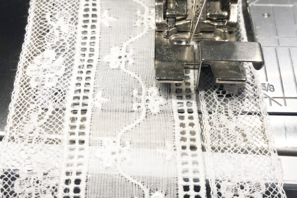 Heirloom_Sewing_Lace_to_Entredeux