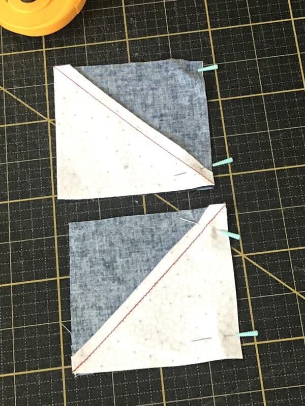 Stardust Quilt-along - Arrange the blocks into a pinwheel unit