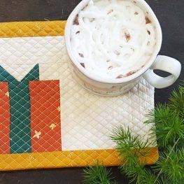 Holiday Mug Rug Tutorial from WeAllSew