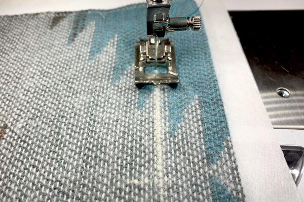 Manual_Buttonholes_begin_buttonhole