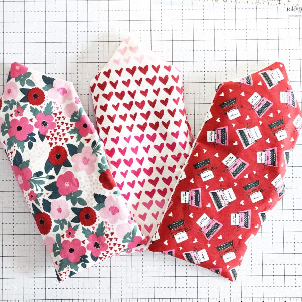 Fabric Envelope Tutorial: Turning the project