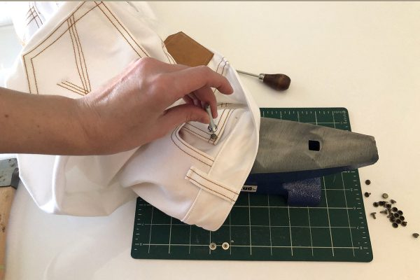 Jeans Tips: hardware, buttonholes, and rivets at WeAllSew