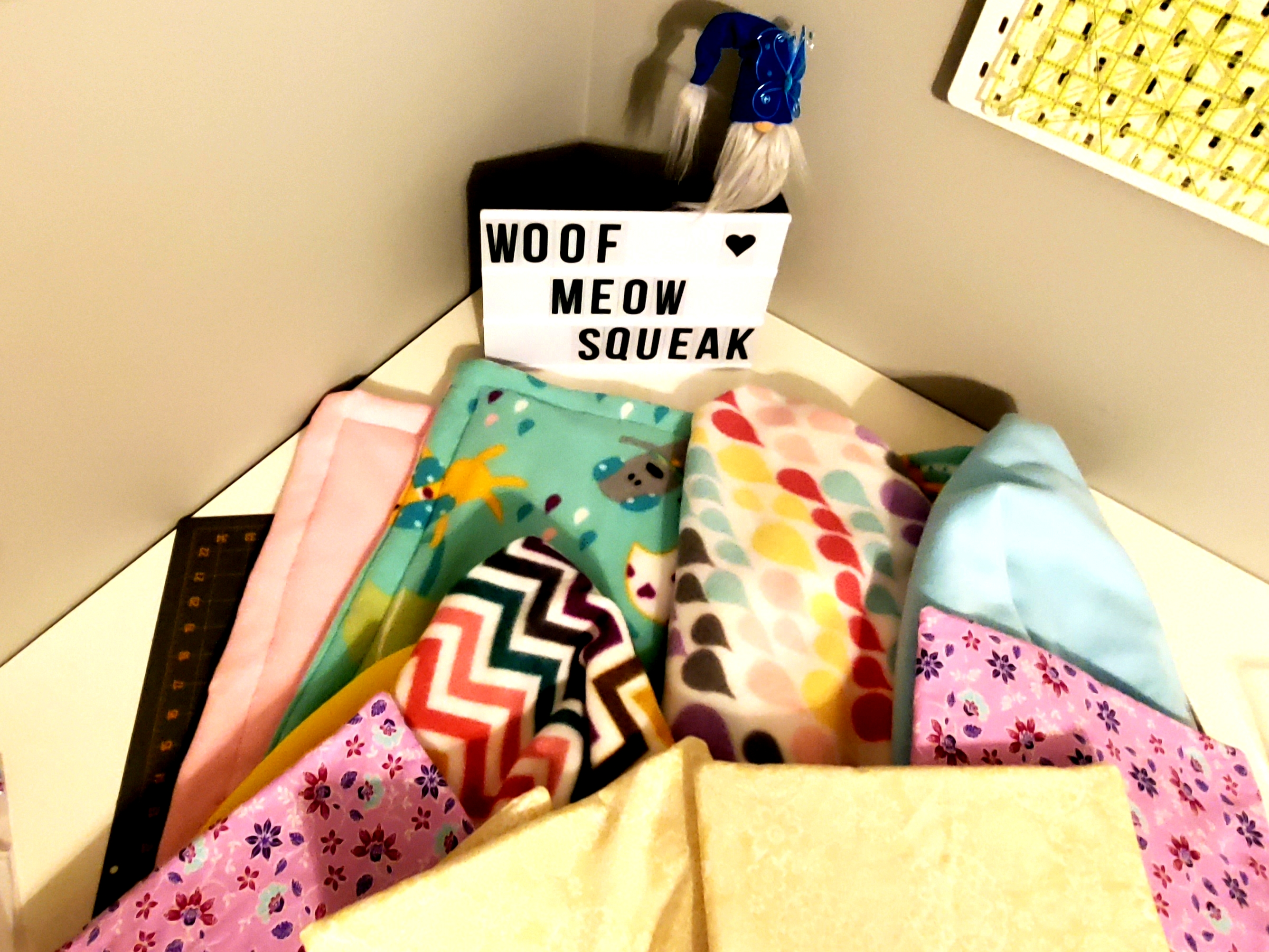 Kennel quilts, carrier liners, cage liners