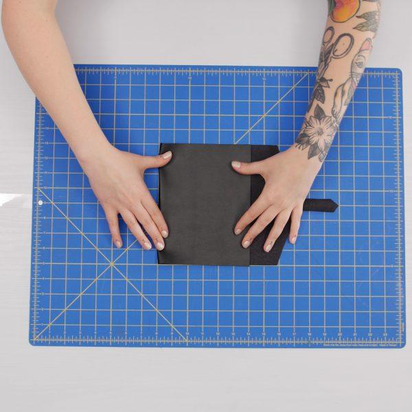 Leather_Belt_Bag_Fold