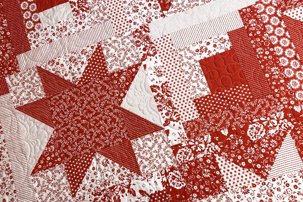 Red_White_Quilt_cover_shot