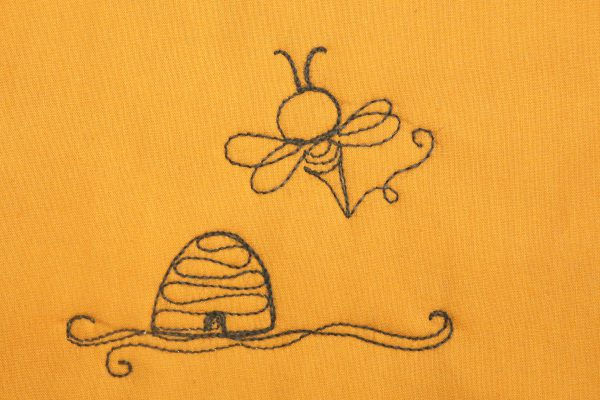 How to Free-motion quilt the Busy Bee Motif