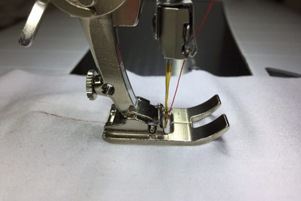 How_to_sew_a_perfect_seam_Dual_Feed_Snow_Plow