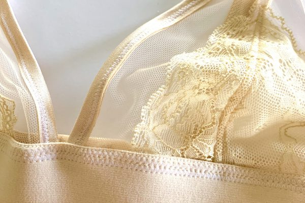 Tips and Tricks for sewing bras: when to use zig-zags and straight stitches.