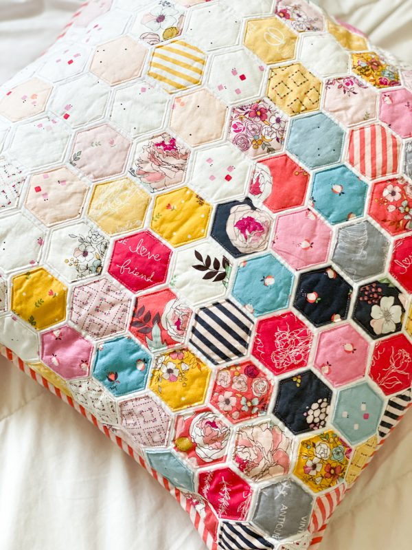 Pillow project for WeAllSew by Minki Kim