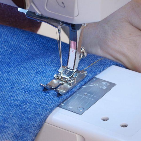How to easily hem Jeans - stitching hem triple stitch