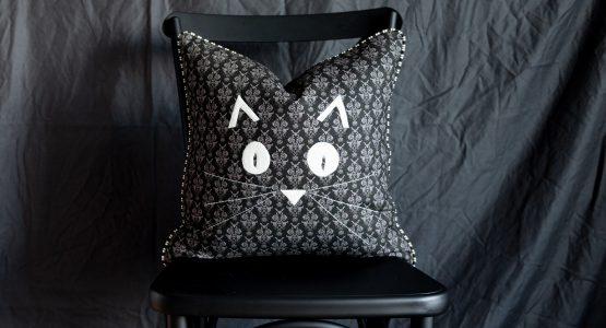 https://weallsew.com/wp-content/uploads/sites/4/2020/09/halloween-pillow-featured-555x300.jpg