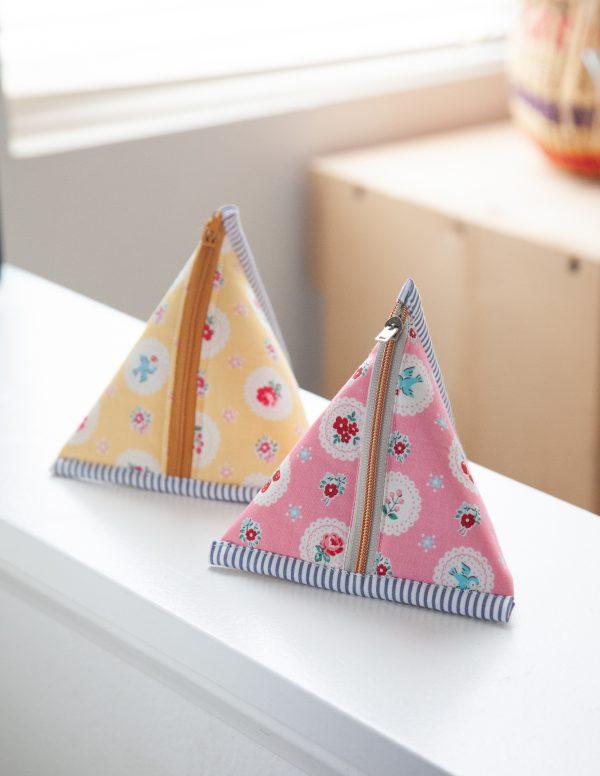 triangle-pouch Minki Kim for WeAllSew