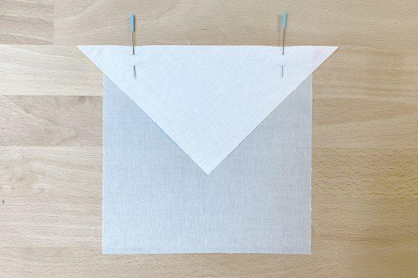 Passaflora_Quilt_Along_pin_first_triangle