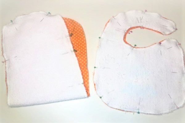 Appliqued Bib Burp Cloth Set Tutorial: pin and stitch front and back