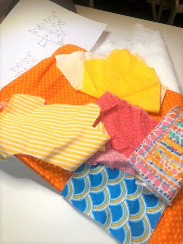 Appliqued Bib Burp Cloth Set Tutorial: choosing fabrics