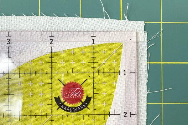 Passiflora_Post_3_Quilt_Along_15_line_first_corner