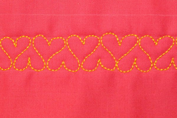 Free Motion Quilt Hearts in a Border BERNINA - Repeated Hearts