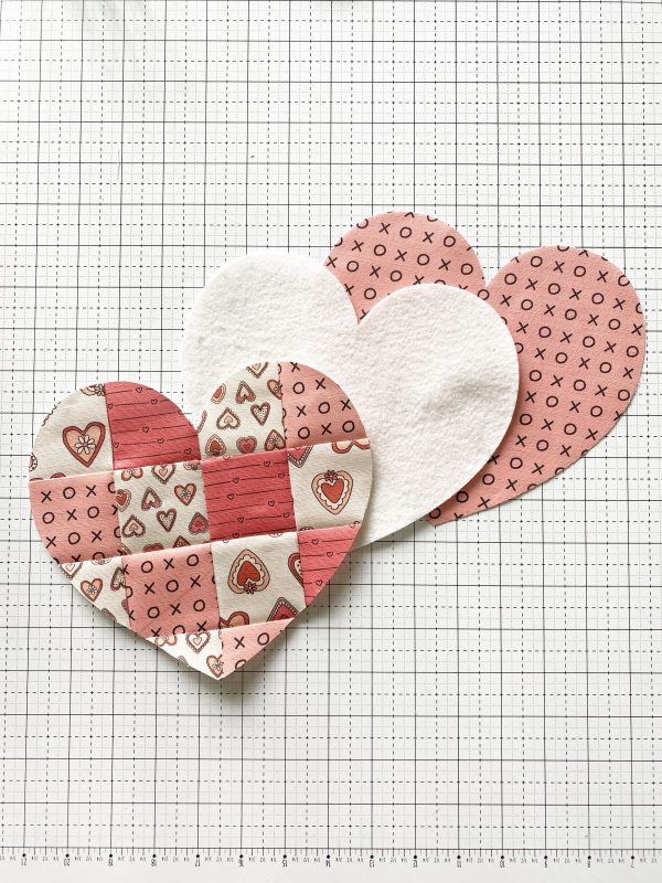 Valentine Mug Rug - Cut out the hearts