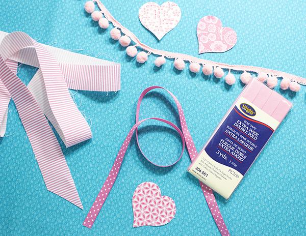 Sew XOXO bunting