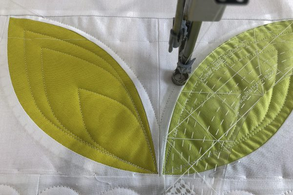 Passiflora Quilt Along_7_26_Echoing_Orange_Peel_BERNINA_WeAllSew_Blog_1200x800px