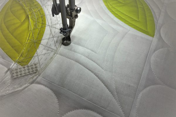 Passiflora Quilt Along_7_31_Corner_Additional_Echoing_BERNINA_WeAllSew_Blog_1200x800px