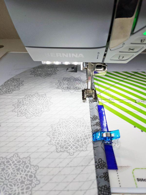 Wall Organizer Tutorial BERNINA 1200 x 1600_Sewing the Blind Hem Stitch