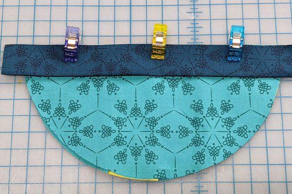 Wall Organizer Tutorial BERNINA 1200 x 800_ALign the Binding on pocket Med Organizer