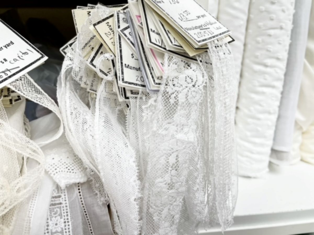 Select additional materials- lace