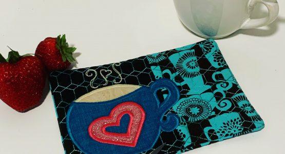 Embroidered mug rug with my BERNINA 570QEE