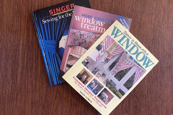 Beginners_Guide_Valance_03_Curtain_books_BERNINA_WeAllSew_Blog_1200x800px