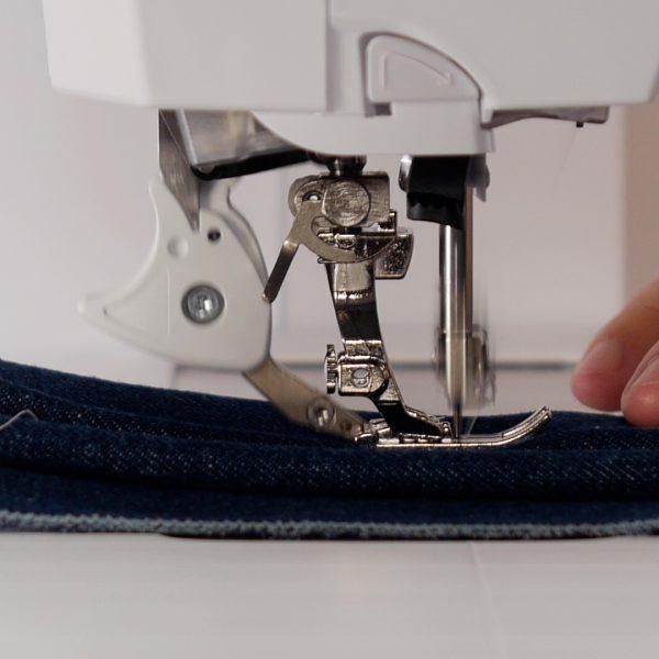 MTC_Jeans_Foot_#8_07_Add_Layers_BERNINA_WeAllSew_Blog 1080x1080px